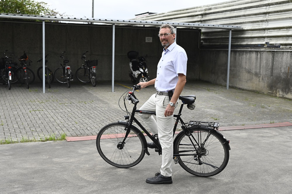 Cycling to Work: Peters Creates Additional Space